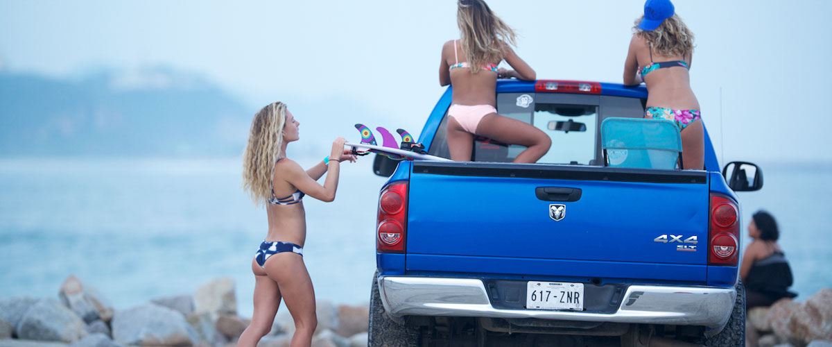 SurfResortSliderGirlsinTrucks